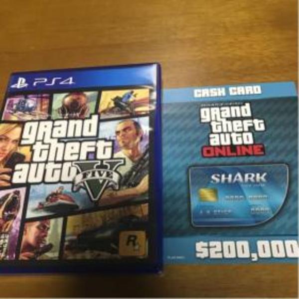 【美品/ゆうメール送料無料】PS4 グランドセフトオート5 GTA5 特典プロダクトコード付き (「GTAオンライン」マネー$20万) グランドセフトオートオンライン(GTA)